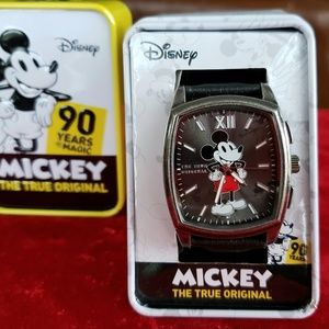 Officially licensed Disney watch